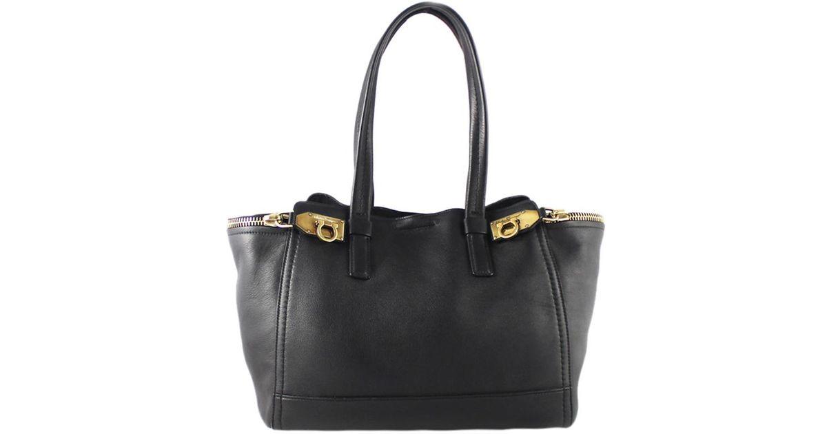 400882434b Lyst - Ferragamo Leather Medium Verve Tote in Black