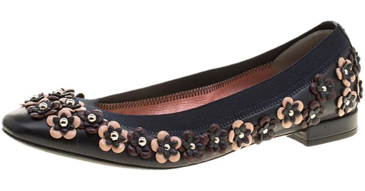 432bff5f9 Dior Leather Cut Out Flower Embellished Ballet Flats in Blue - Lyst