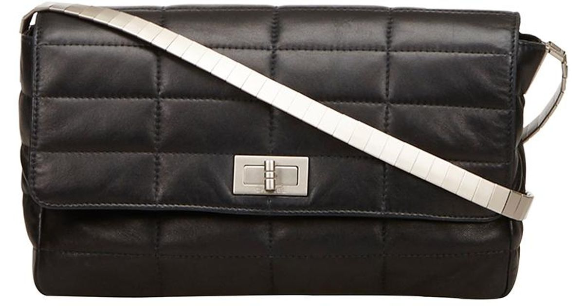 6e5de16e450ed0 Chanel Black Quilted Lambskin Leather Reissue 225 Flap Shoulder Bag in Black  - Lyst
