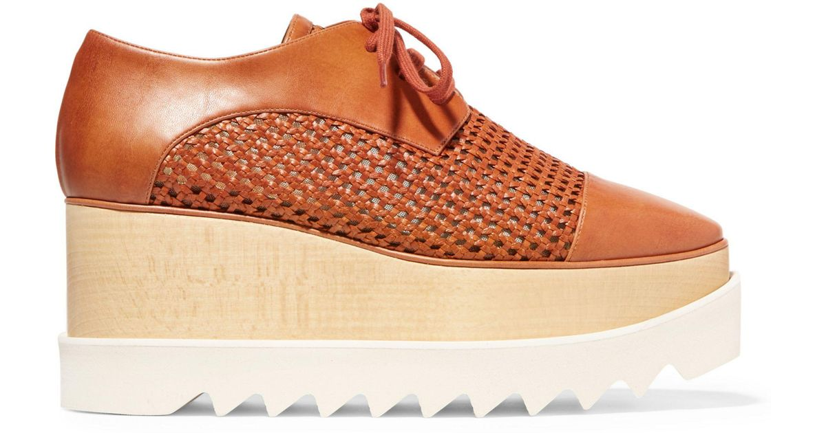 20d753387841 Stella McCartney Woman Elyse Woven Faux Leather Platform Brogues Tan in  Brown - Lyst