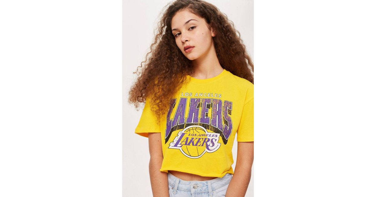 c15a15b0fc5 Lyst - TOPSHOP Lakers Crop T-shirt By in Yellow