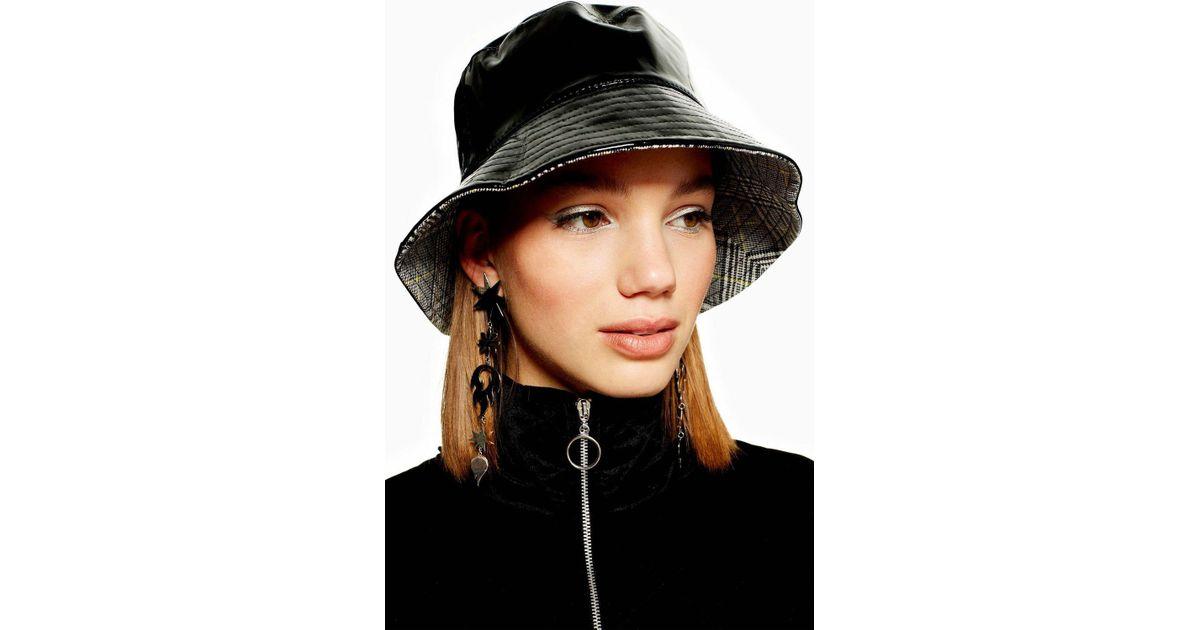 3b77be46e2731 Lyst - TOPSHOP Vinyl Check Bucket Hat in Black