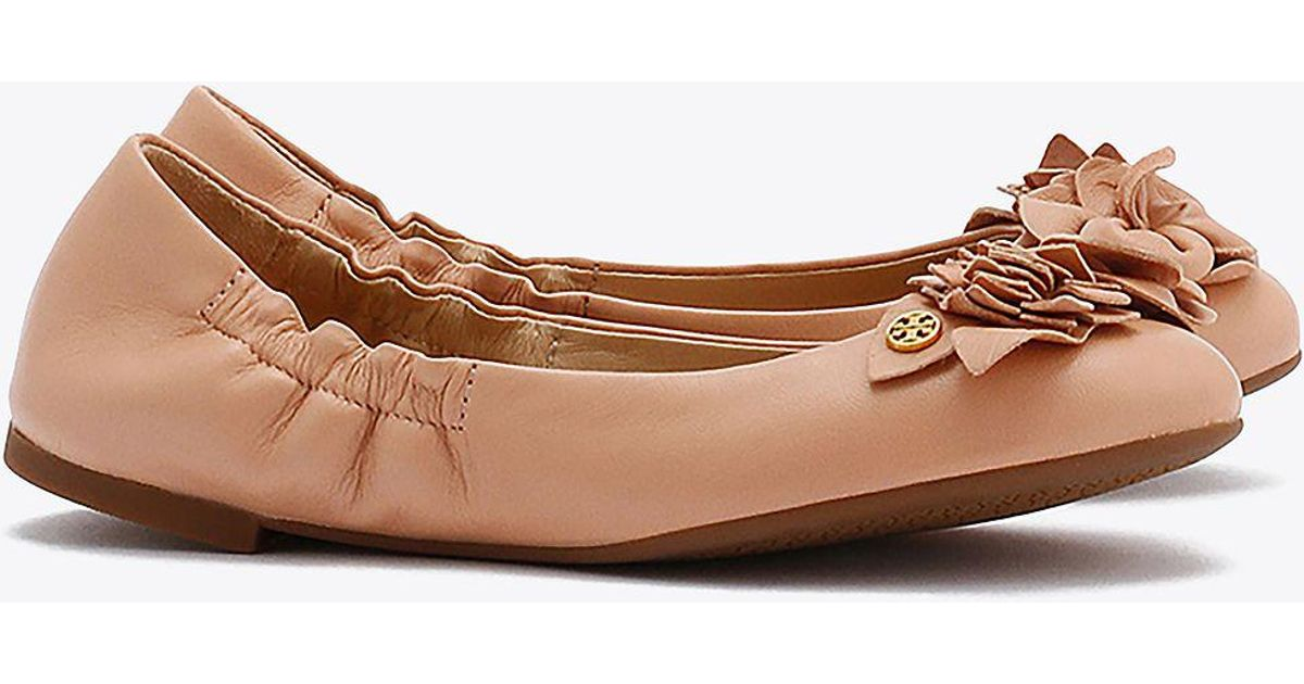 09a284c769d8 Lyst - Tory Burch Blossom Ballet Flat in Brown
