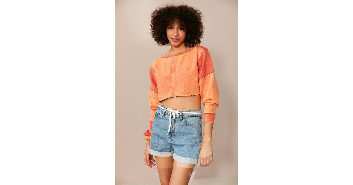 b0618a334c82 BDG Teen Spirit Cropped Long Sleeve Tee in Red - Lyst