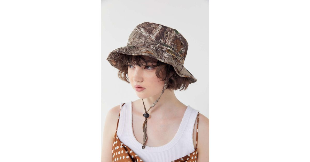 af76b136f Urban Outfitters Green Realtree Camo Bucket Hat