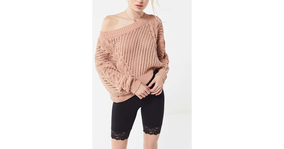 e5affcb8b Urban Outfitters Uo Rosie Oversized Plush Knit Sweater in Pink - Lyst
