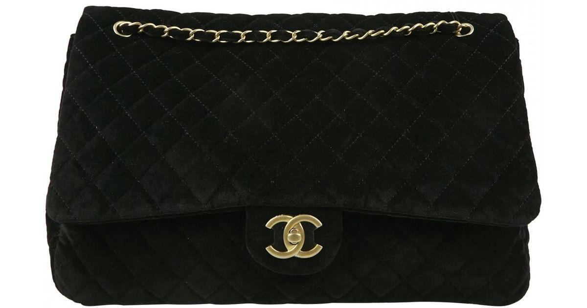 dc5ffafd56c8 Chanel Timeless/classique Black Velvet Handbag in Black - Lyst