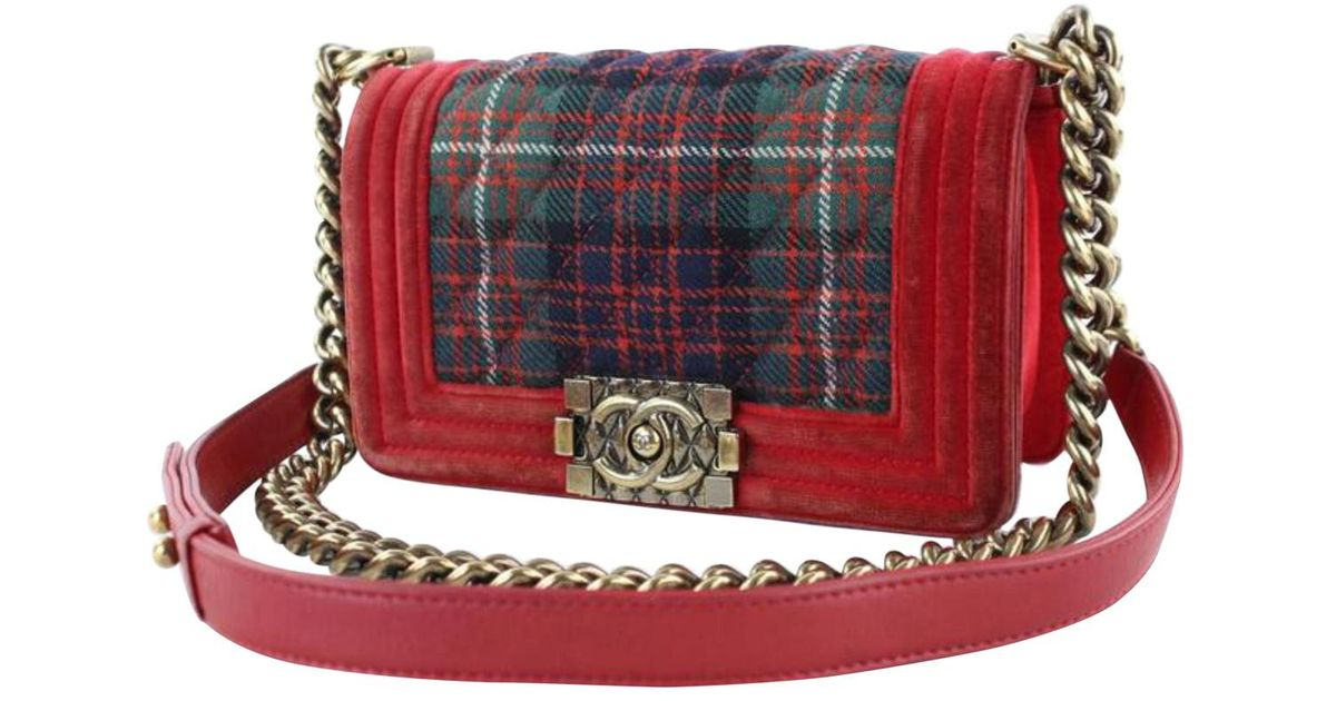 7a5042d6781f Chanel Pre-owned Boy Red Wool Handbags in Red - Lyst