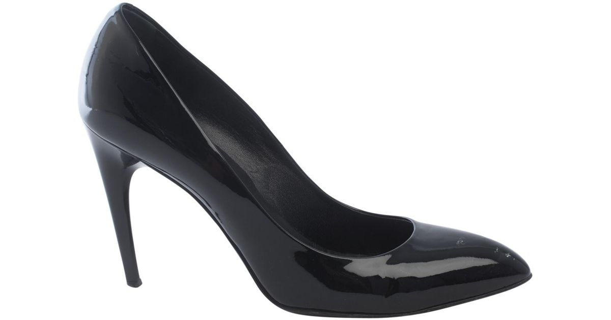 eca3ca1c4 roger-vivier-Black-Pre-owned-Patent-Leather-Heels.jpeg