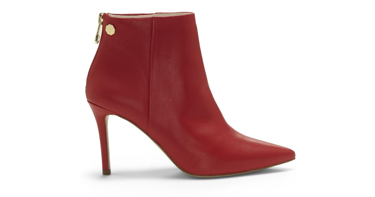 c1b1470963 Lyst - Vince Camuto Louise Et Cie Sonya – Point-toe Bootie in Red