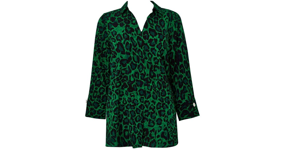bb5022db3775f Wallis Green Animal Print V-neck Shirt in Green - Lyst