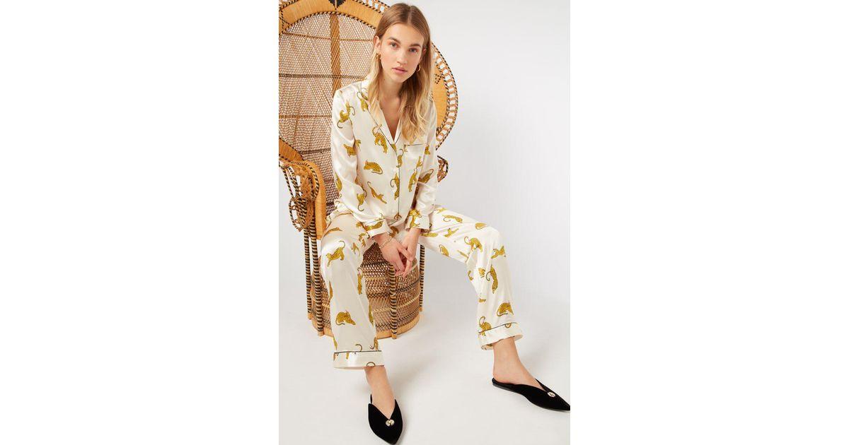130ffaa9c6 YOLKE Prowling Leopard Classic Silk Pyjama Set in White - Lyst