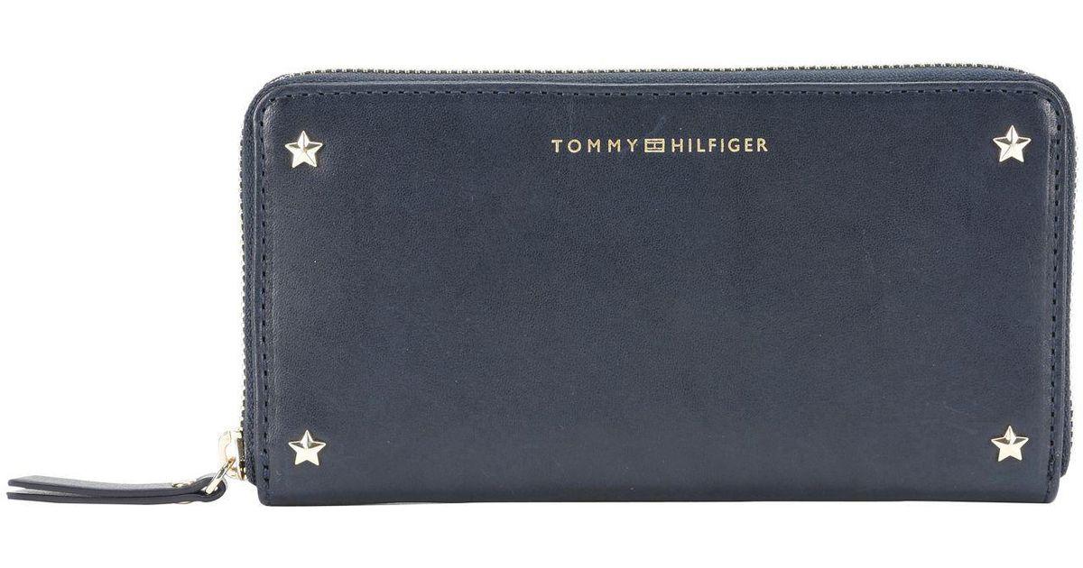 05c1f3b84 Lyst - Billetera Tommy Hilfiger de color Azul