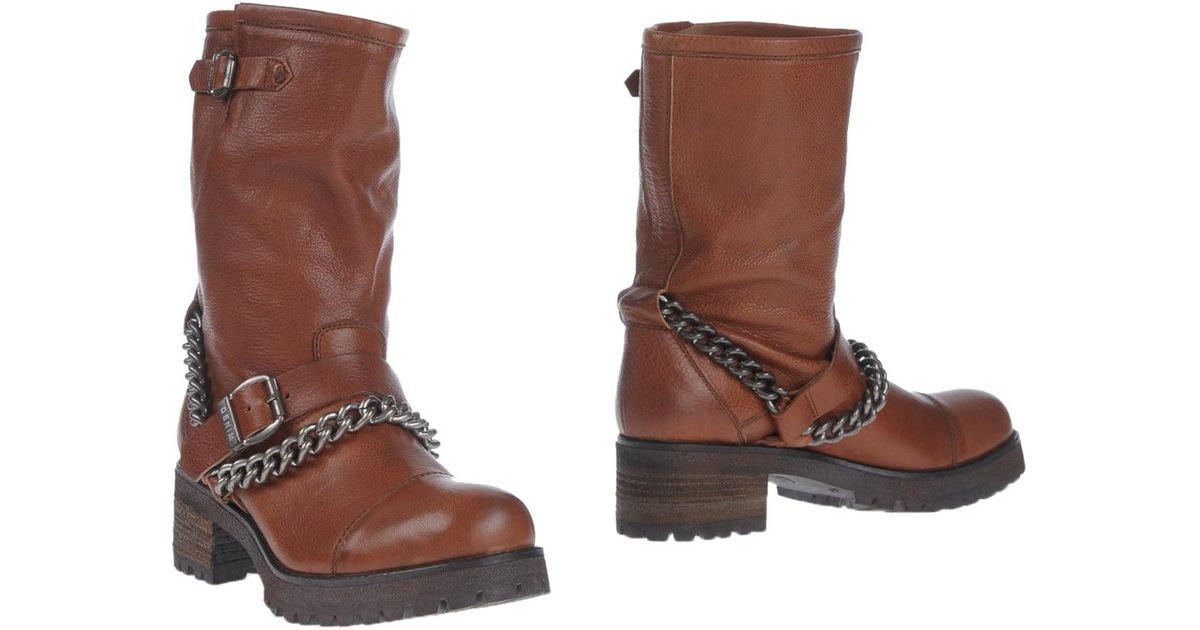 Shop the latest women's boots from top brands on ZALORA Philippines and enjoy Free Shipping Over P Cash On Delivery 30 Days Free Returns.