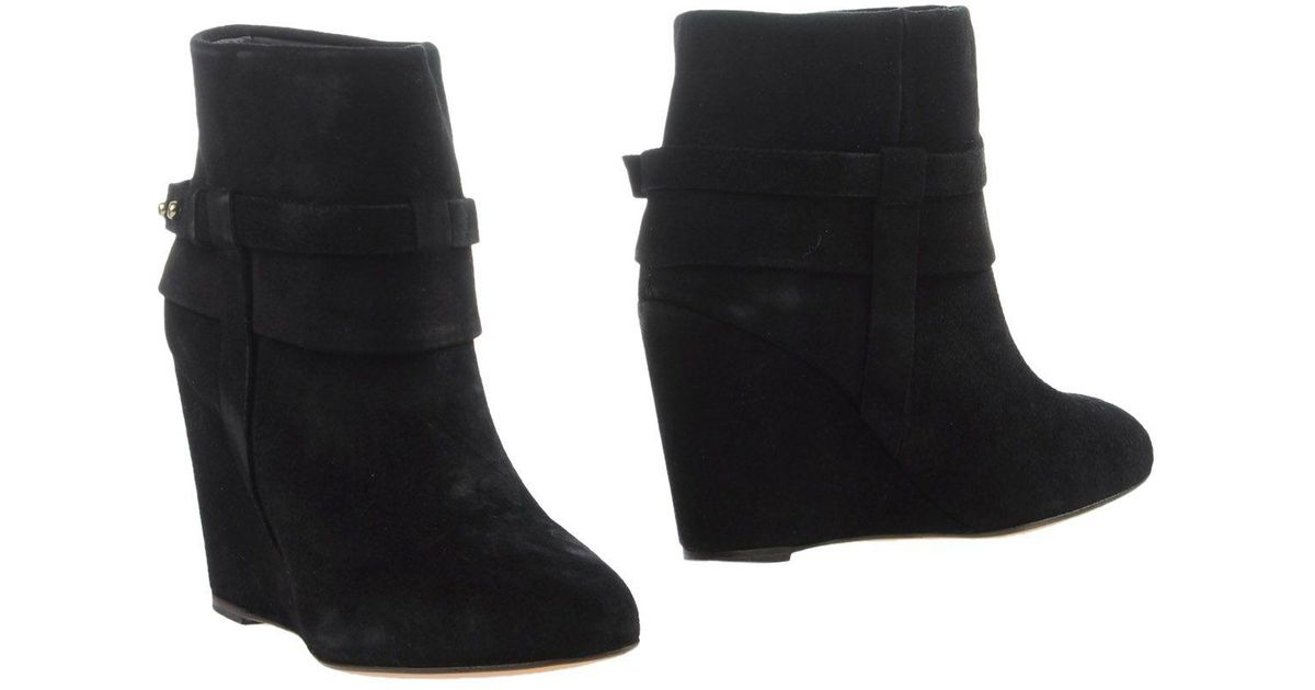 Tila March Roseland Laces booties