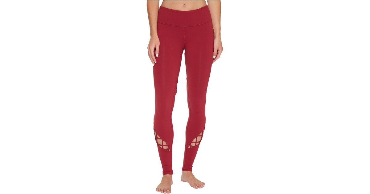 a468f6a79ea55 Alo Yoga Entwine Leggings in Red - Lyst
