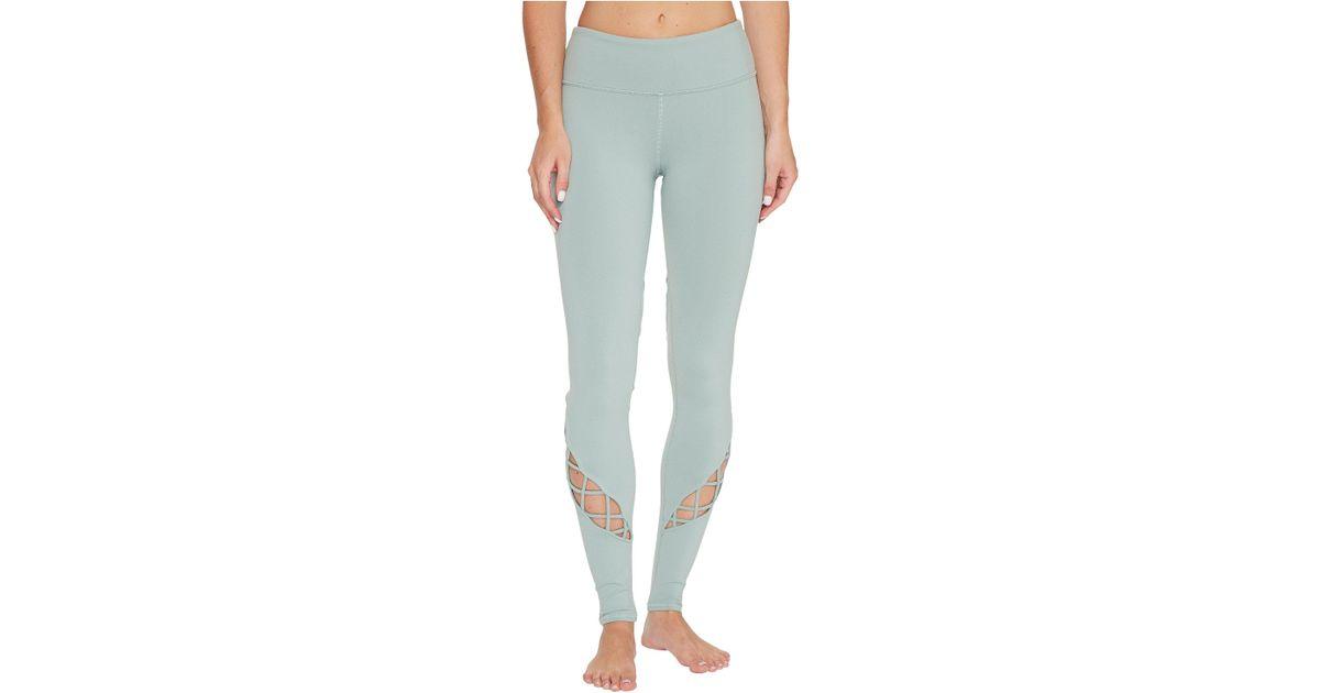 a34ebb7a457f9 Lyst - Alo Yoga Entwine Leggings