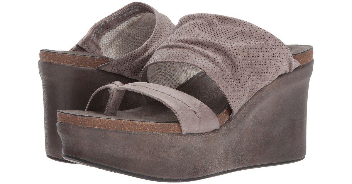 b7e4fa93ddf Lyst - Otbt Tailgate (copper) Women s Sandals