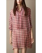 Burberry Silk Crépon Pleat-Front Smock Dress - Lyst