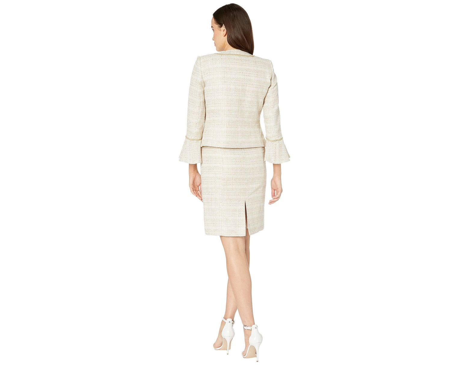b6ccbf56289 Tahari Boucle Skirt Suit With Open Jacket in White - Save 50% - Lyst