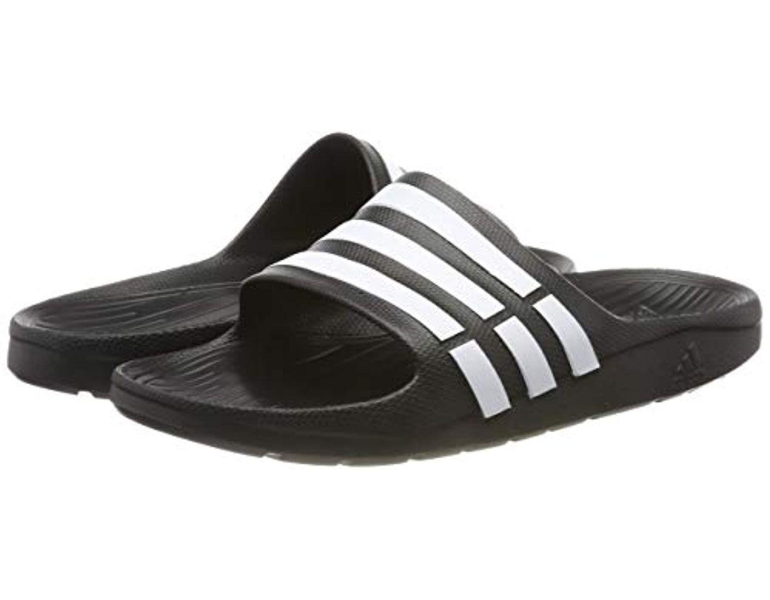 chaussures de plage et piscine adidas