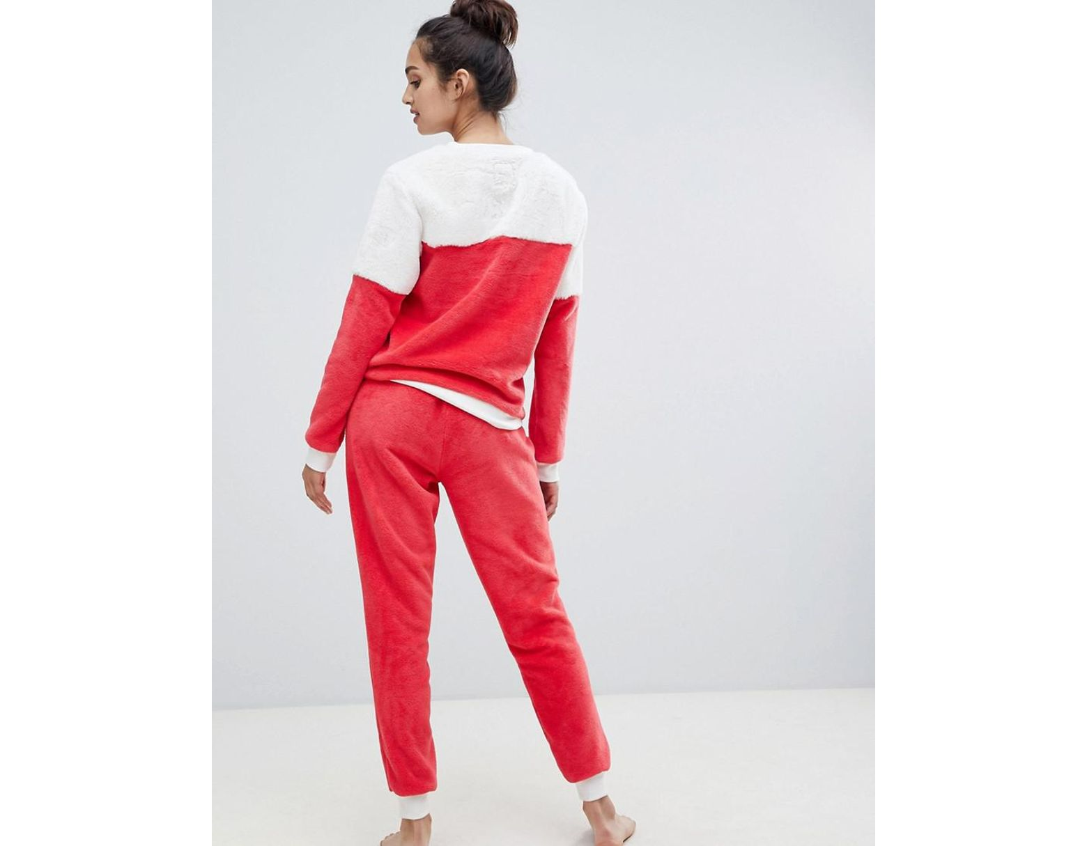 37c915edd232c Chelsea Peers The Snuggle Is Real Fluffy Pajama Set in Red - Lyst