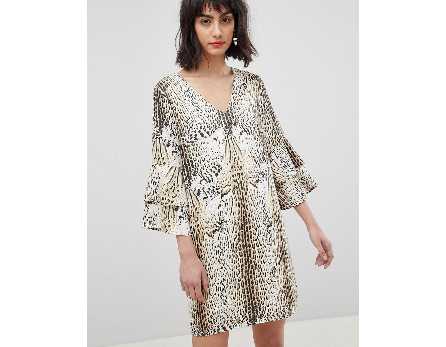 23e4184de Robe imprimé léopard à manches volantées femme