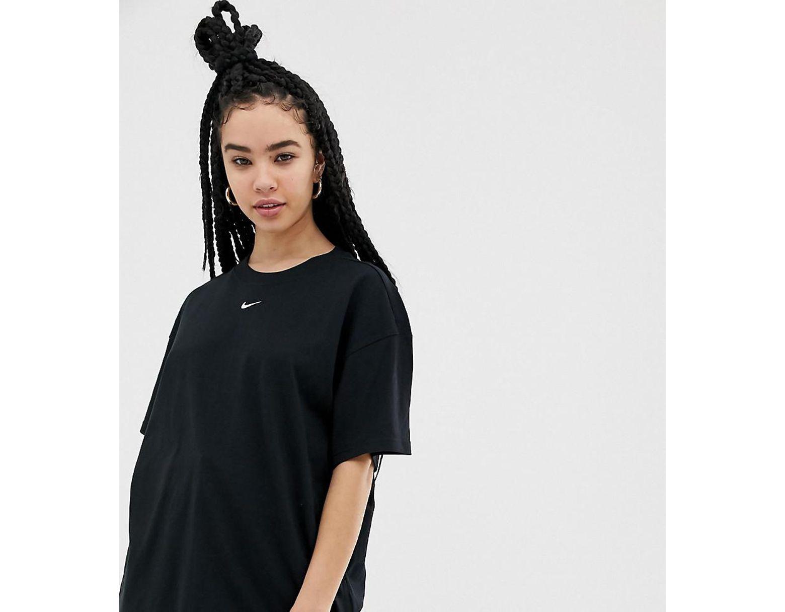 ee70405fb Nike Black Oversized Boyfriend T-shirt in Black - Lyst