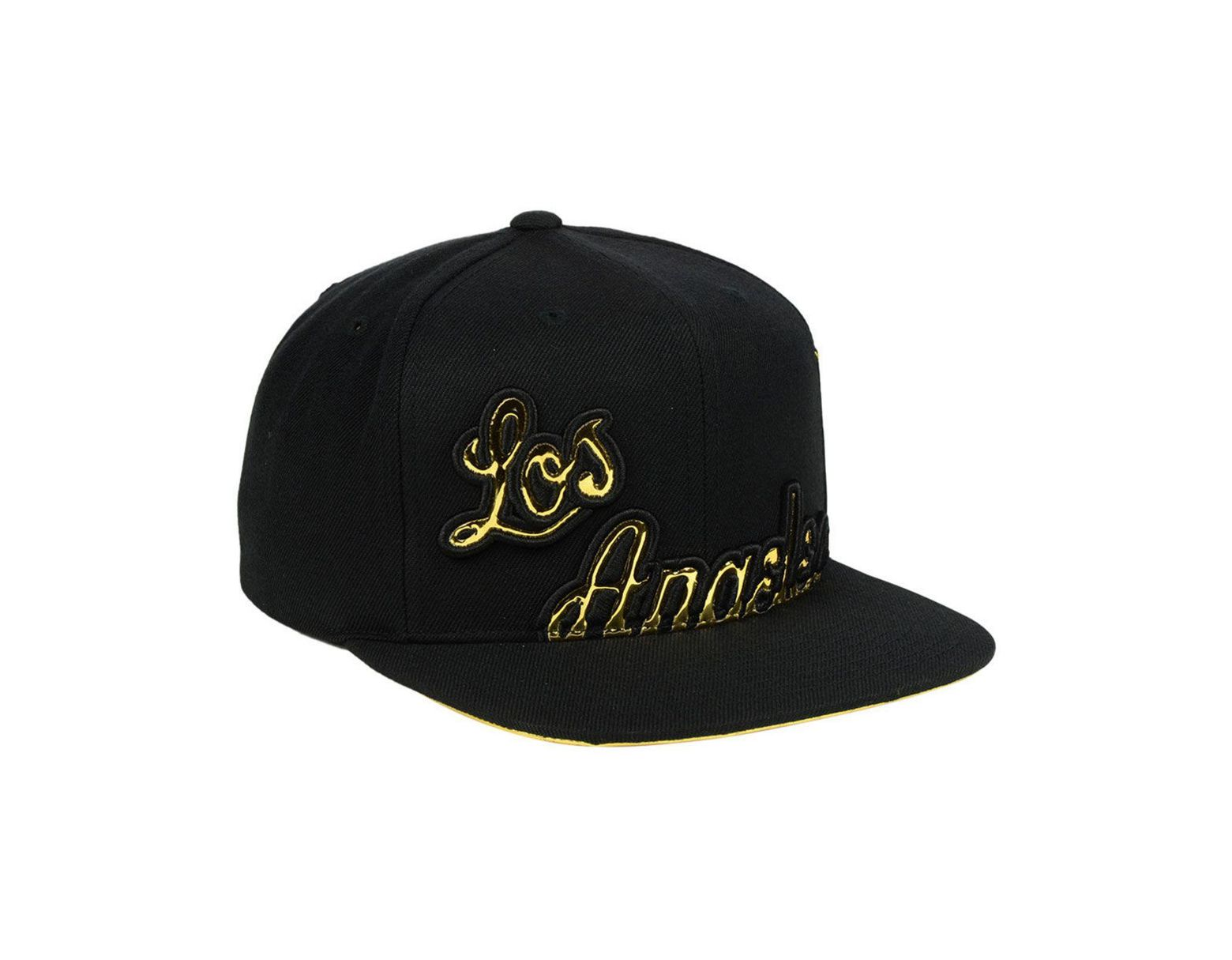 newest 4b149 edb4b Mitchell   Ness Los Angeles Lakers Patent Cropped Snapback Cap in Black for  Men - Lyst
