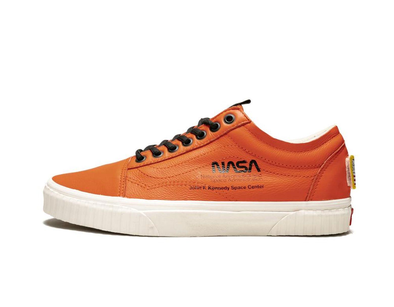 c4010cc1fc23b Space Voyager Old Skool Nasa Orange Sneakers - Mens Uk 11