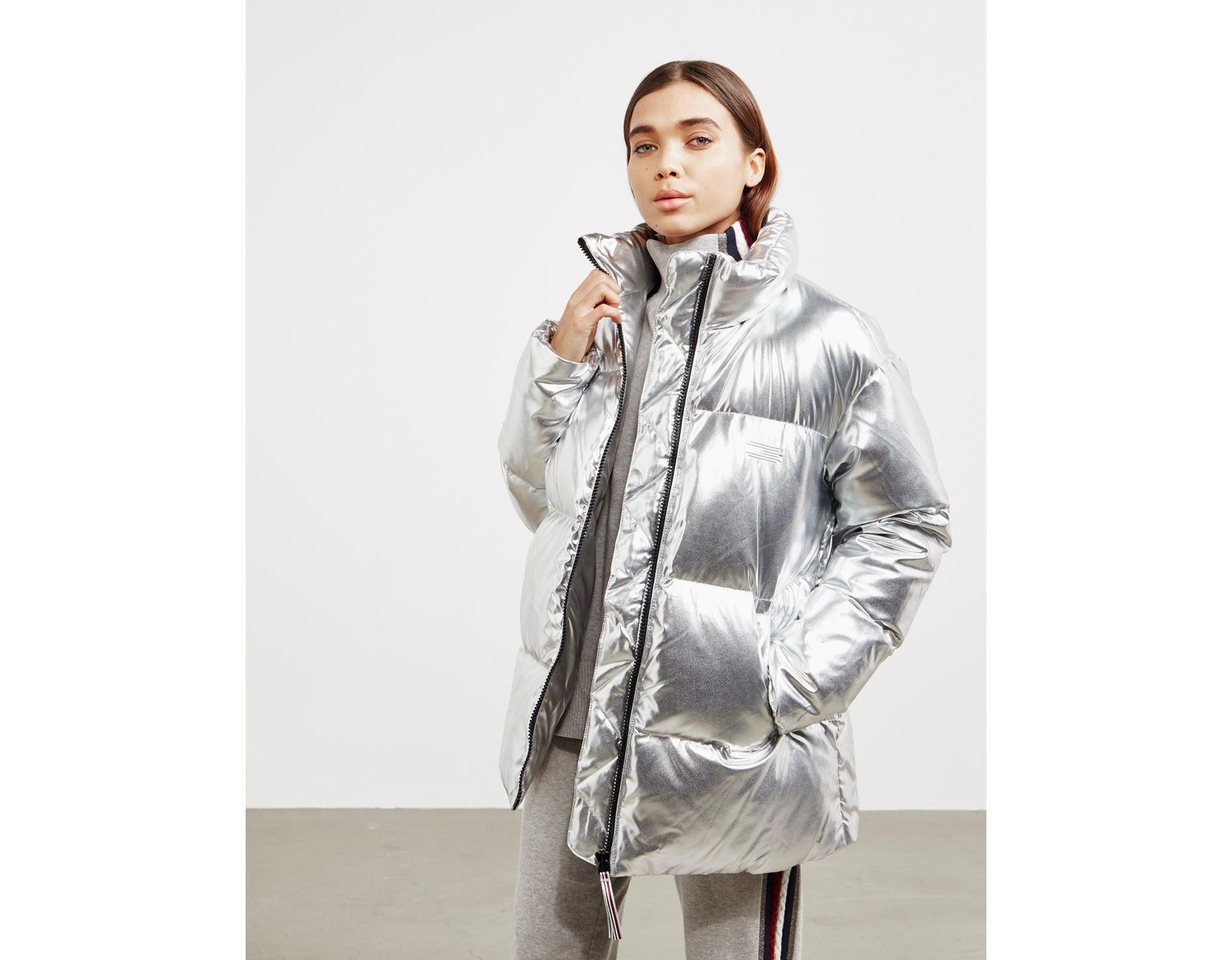 ad7eb809ca5 Tommy Hilfiger Icon High Gloss Jacket - Online Exclusive Silver in Metallic  - Save 16% - Lyst