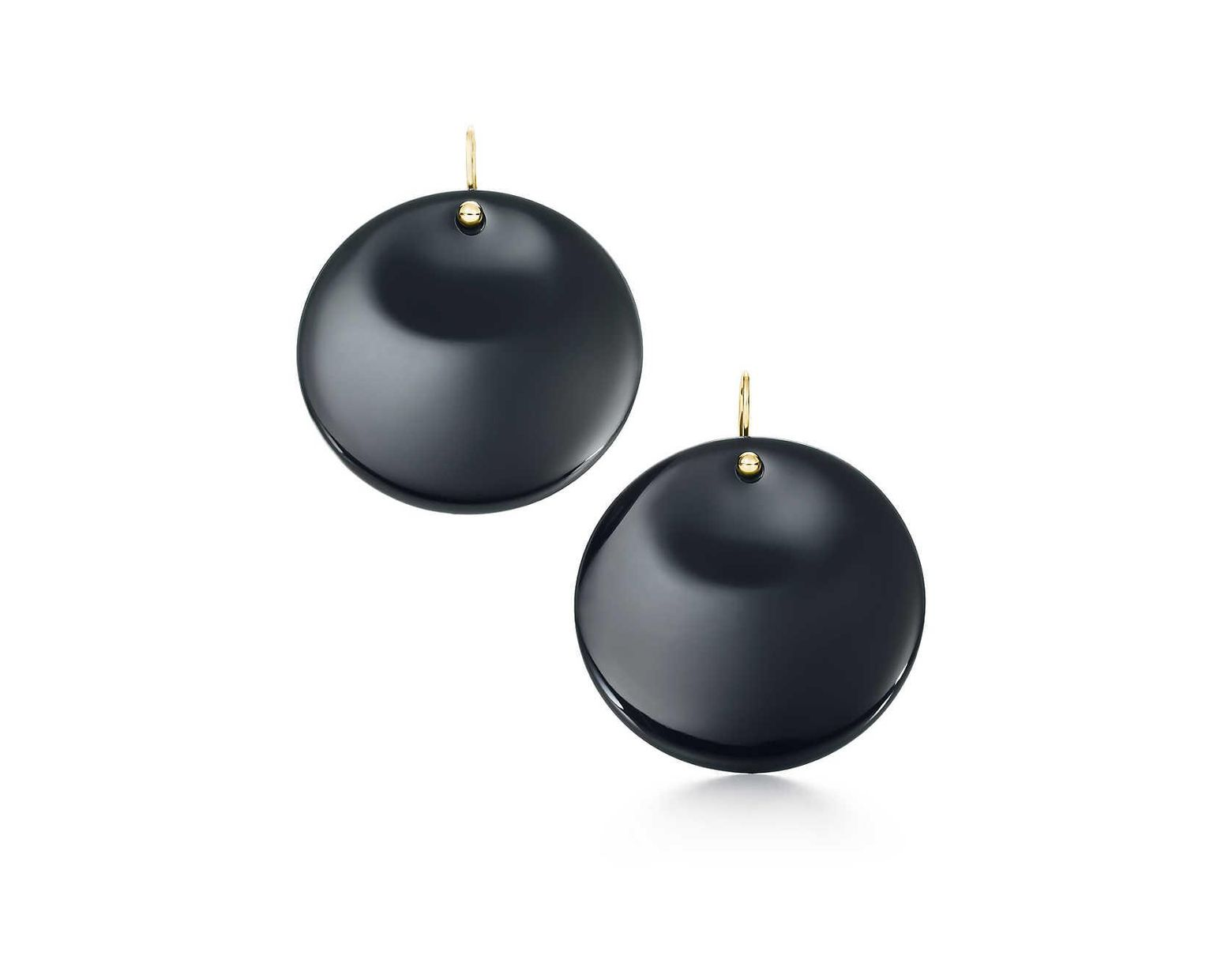 f46264cc8 Tiffany & Co. Elsa Peretti® Round Earrings In Lacquer Over Japanese Hardwood  With 18k Gold in Metallic - Lyst
