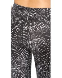 Beyond Yoga - Gray Luxe Print Capri Leggings - Lyst