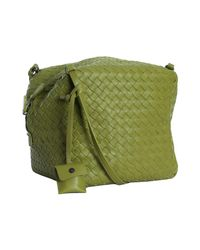 Bottega Veneta | Green Assenzio Basketwoven Leather Box Crossbody Bag | Lyst