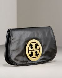 Tory Burch | Black Glazed Leather Logo Clutch | Lyst