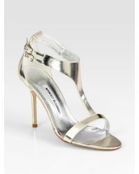 Manolo Blahnik | Metallic Patent Leather T-strap Sandals | Lyst