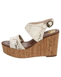 House of Harlow 1960 Gladys Wedge in Whitewhite