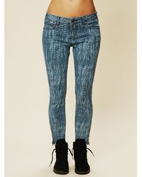 Free People Blue Feather Print Ankle Crop