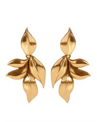 Oscar de la Renta - Metallic Gold Leaf Clip Earrings - Lyst