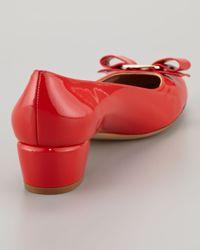 Ferragamo - Red Vara Bow Lowheel Pump - Lyst