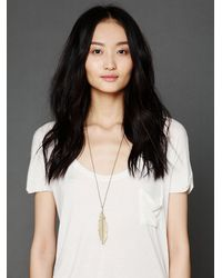 Free People - Metallic Feather Pendant Necklace - Lyst