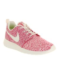 1a63d1815689 Lyst - Nike Roshe Run Sail Pink Force in Pink