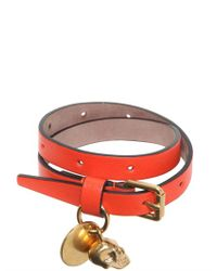 Alexander McQueen | Orange Skull Charm Leather Bracelet | Lyst