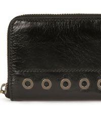 Petit portefeuille en cuir froissé Vanessa Bruno en coloris Black