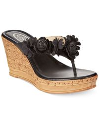 Callisto | Black Flora Flower Platform Wedge Thong Sandals | Lyst