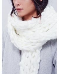 Free People | White Womens Maggie Maye Chunky Knit Scarf | Lyst