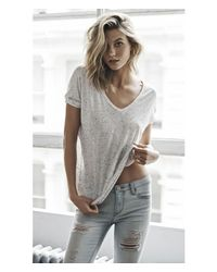 Express White Nep Knit One Eleven V-neck Tunic Tee