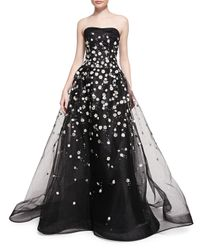 Carolina Herrera - White Strapless Ball Gown W/ Embroidered Daisies - Lyst