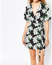 Glamorous - Black Wrap Front Tea Dress In Cluster Floral Print - Lyst