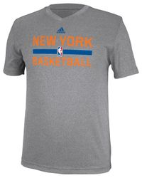 Adidas Gray Men's New York Knicks Practice Graphic T-shirt for men